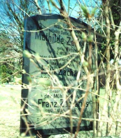 Grabstätten von Wilhelm Tornow und Franz Zacharis auf dem Egsdorfer Friedhof