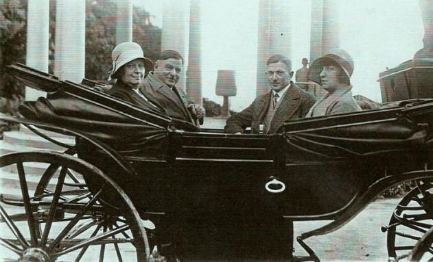 Dr. med. A. Gutzmann (links) mit Ehefrau, Foto G. Sachse