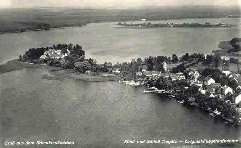 Die herrliche Lage des Schlosses Teupitz, Luftaufnahme 1939