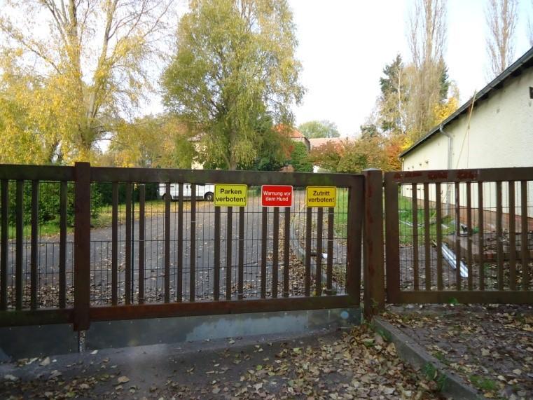 Verschlossenes Schloss 2005